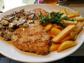 16.05.2016 13:35 | Jägerschnitzel, Trotzenburg Brewery, Rostock